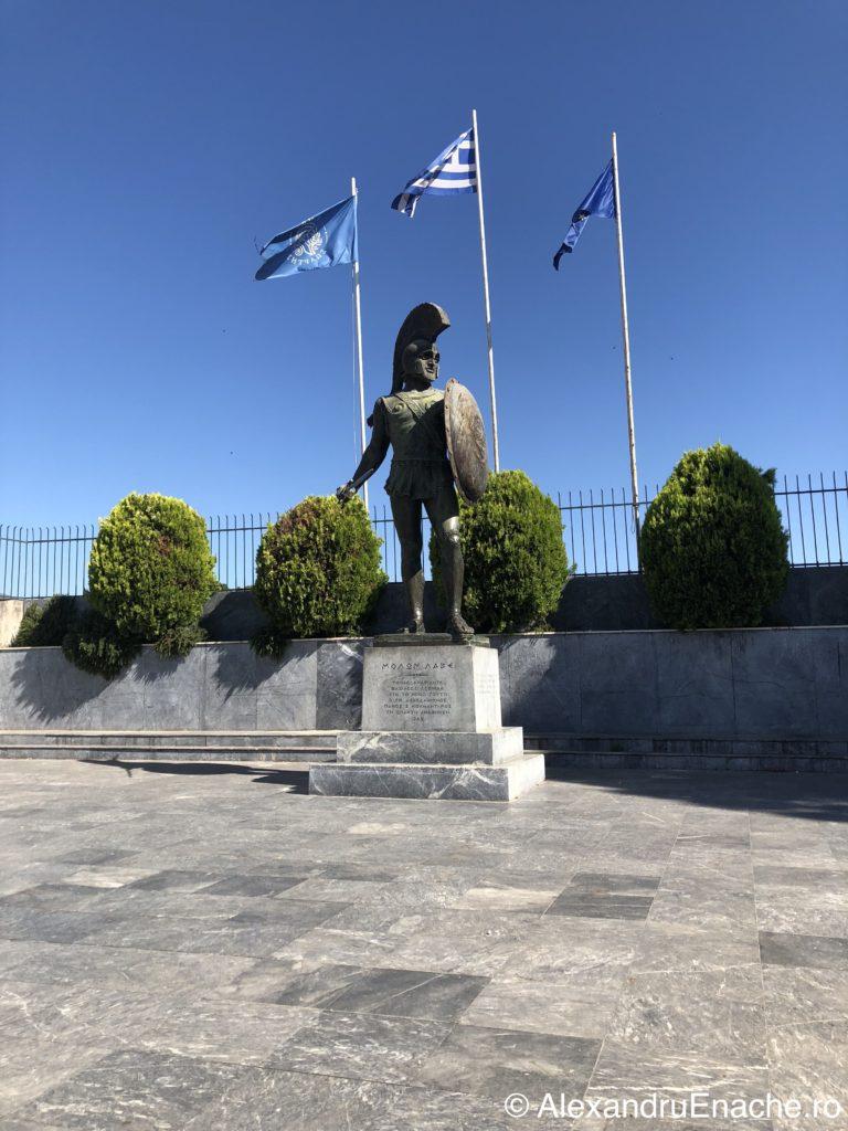 Peloponez - Statuie Leonidas