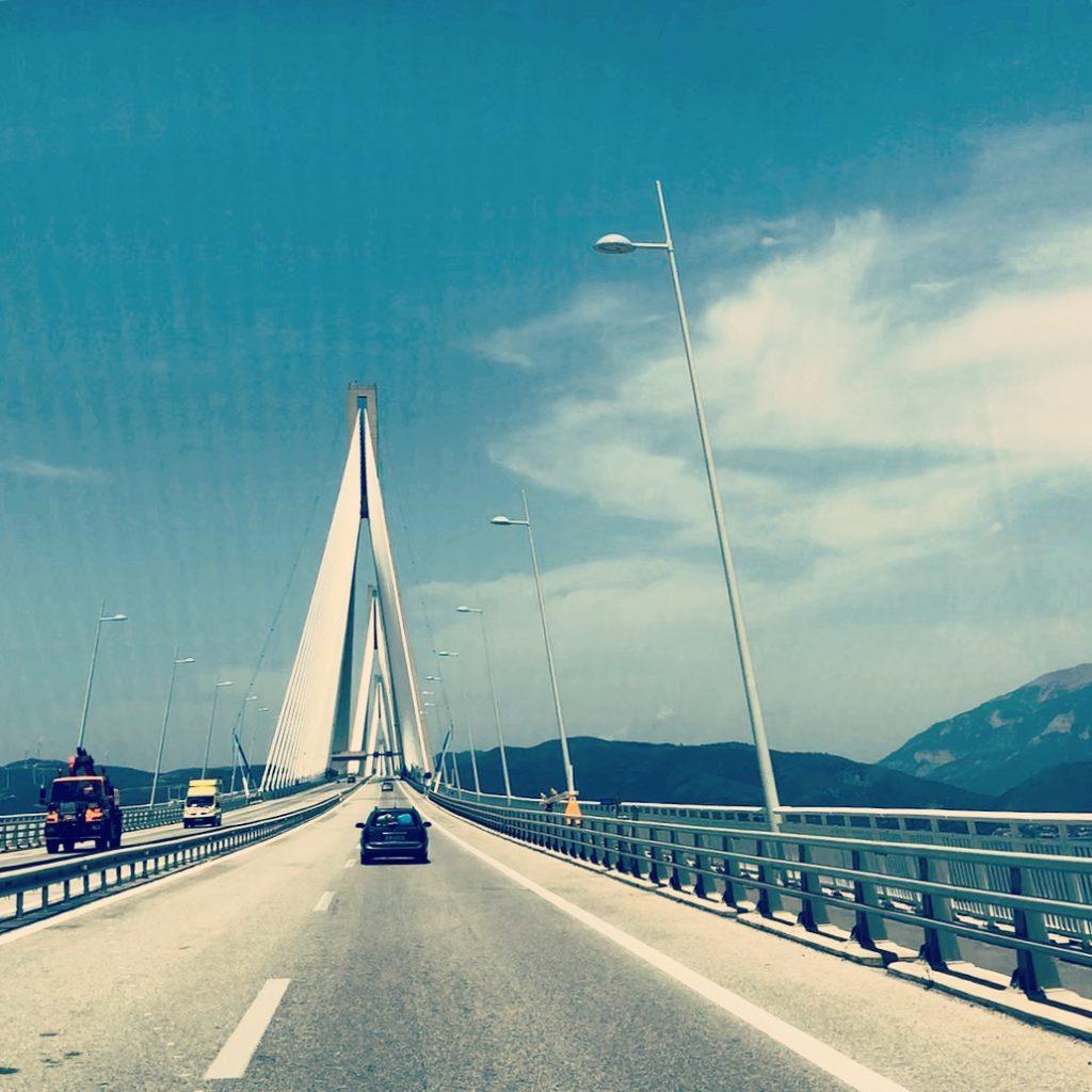 Drumul spre Canionul Vikos - Rioantirio bridge