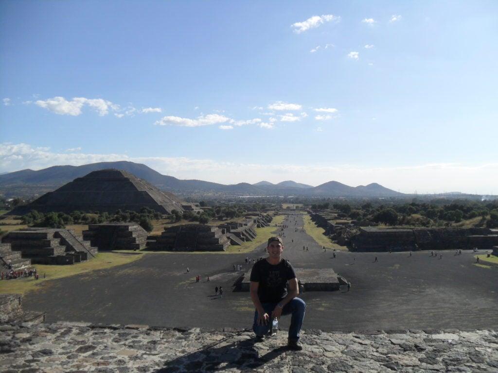 TEOTIHUACAN - piramida lunii