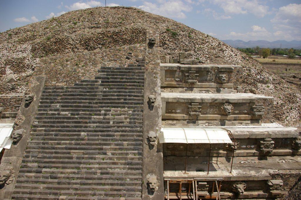 Teotihaucan-templul sarpelui cu pene