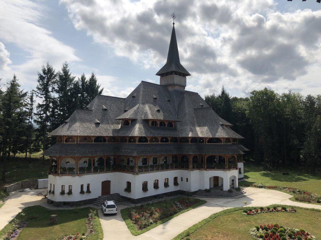 Maramures - manastirea Peri-Sapanta