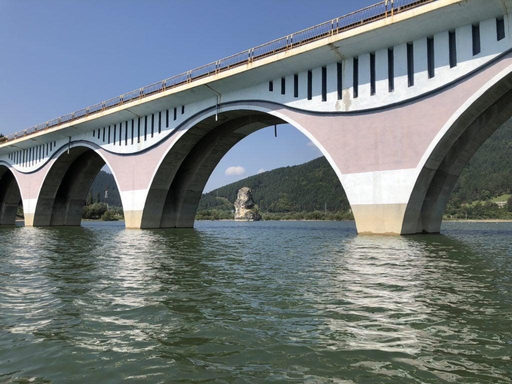 Lacul Bicaz - podul de la poiana teiului