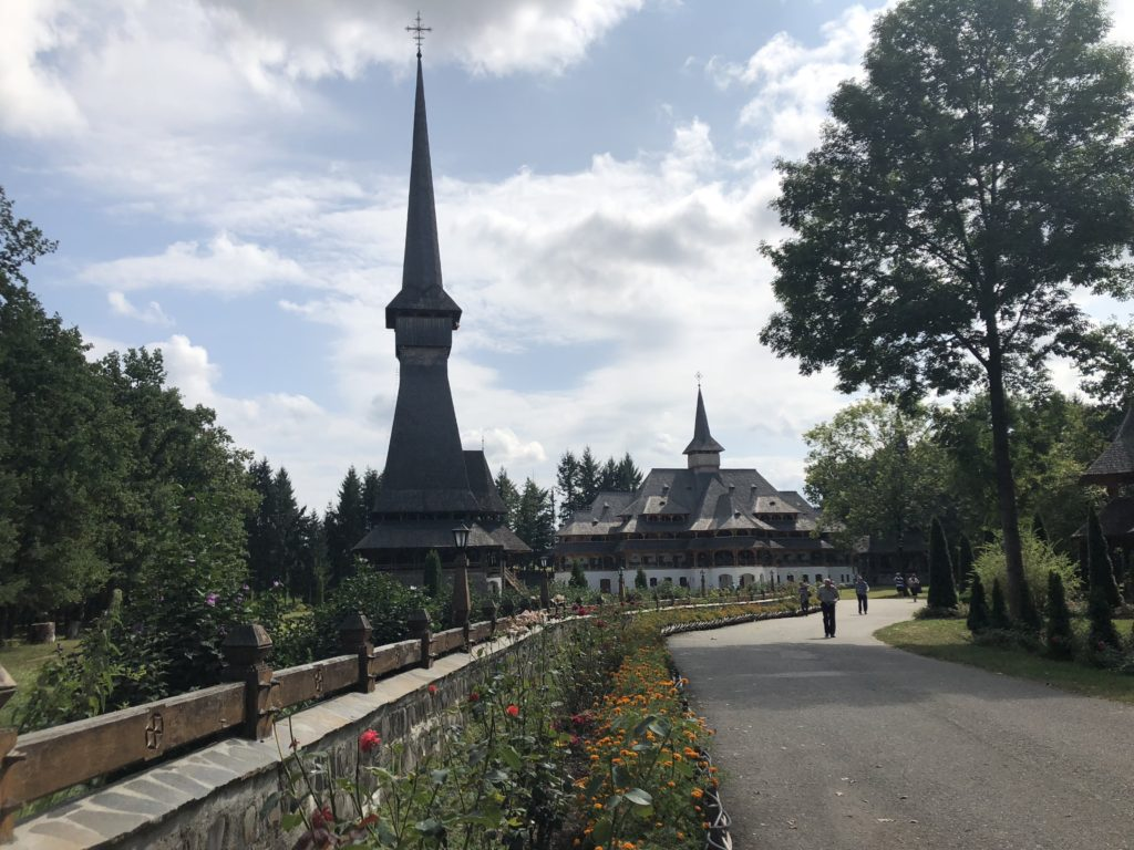 Maramures - Manastirea Peri
